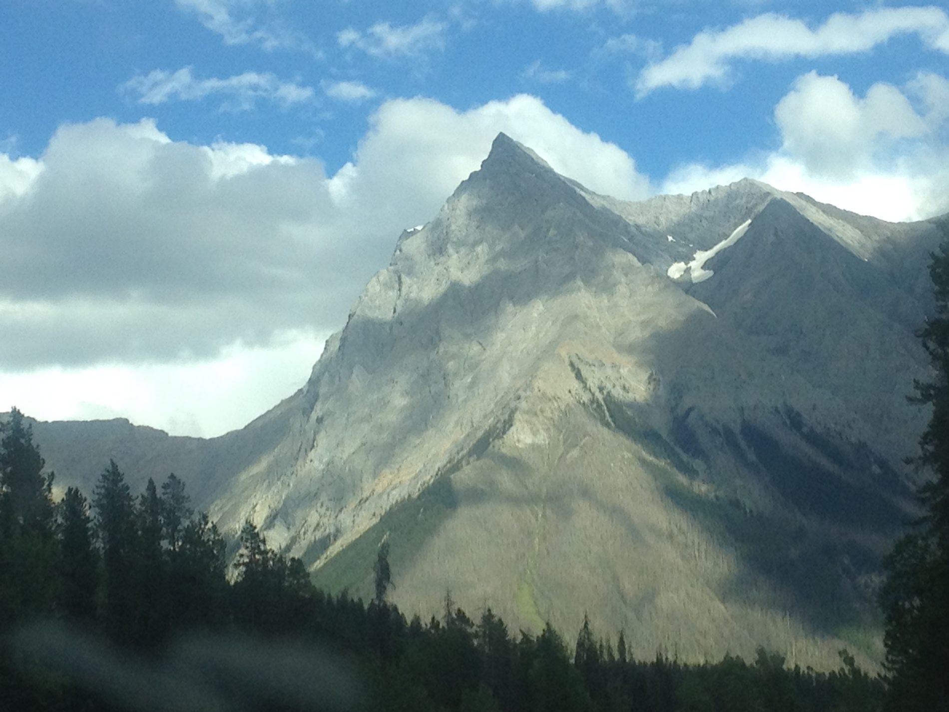 mountain-peak-e1478586158720